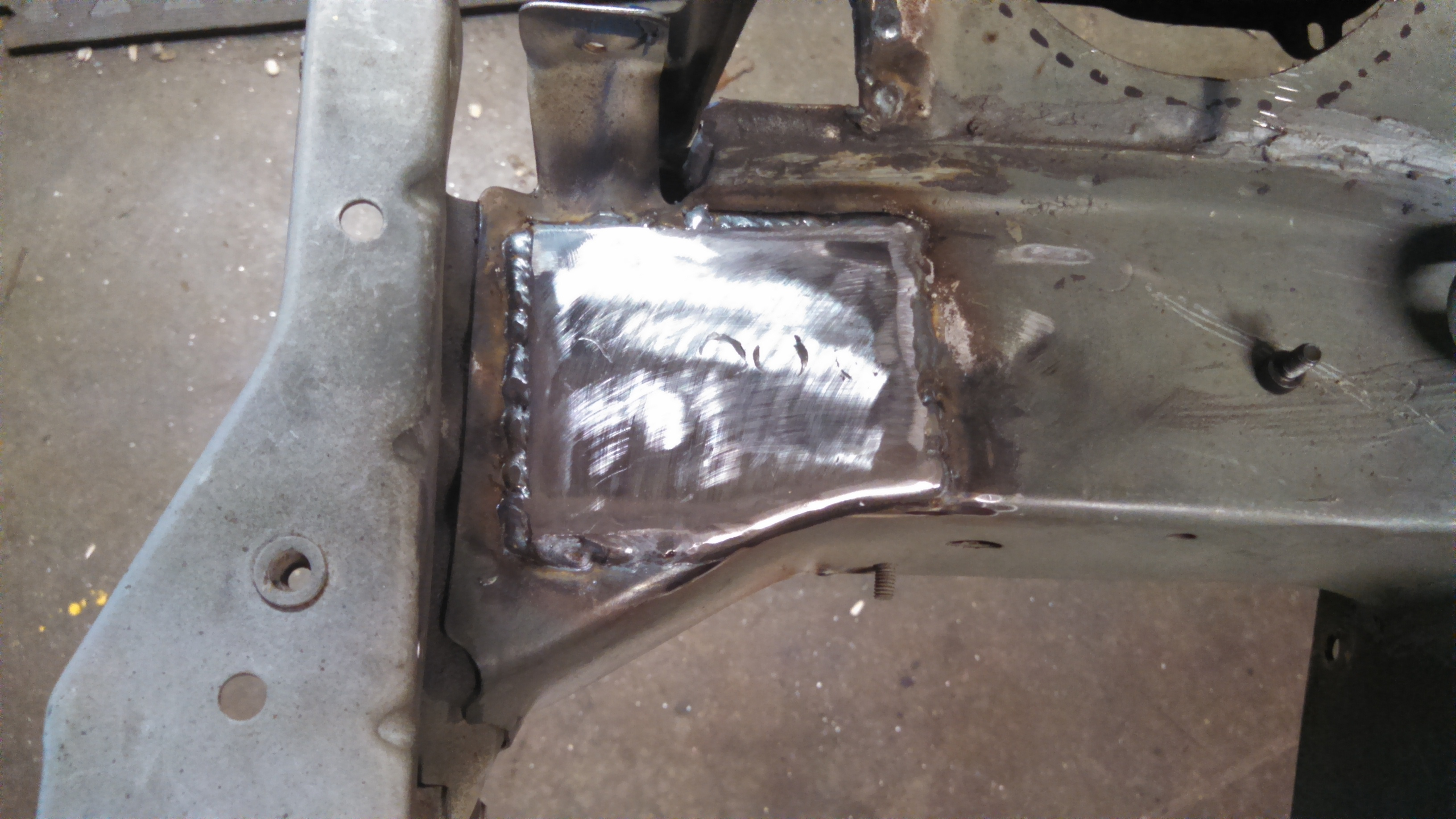 tow hook welded upper plate.jpg